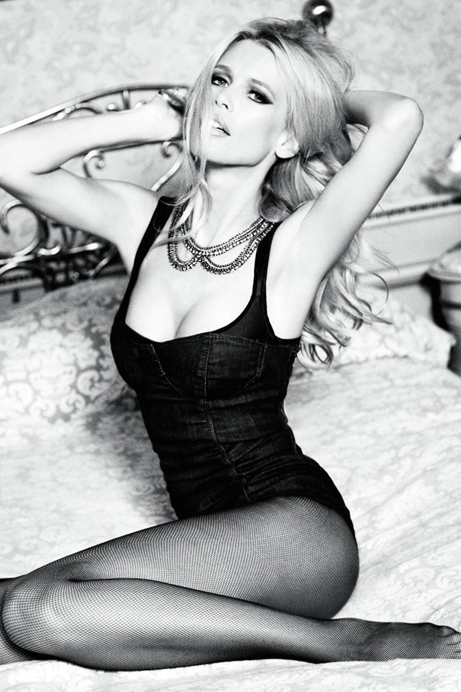 CAMPAIGN Claudia Schiffer for Guess 30th Anniversary by Ellen von Unwerth. www.imageamplified.com, Image Amplified (9)