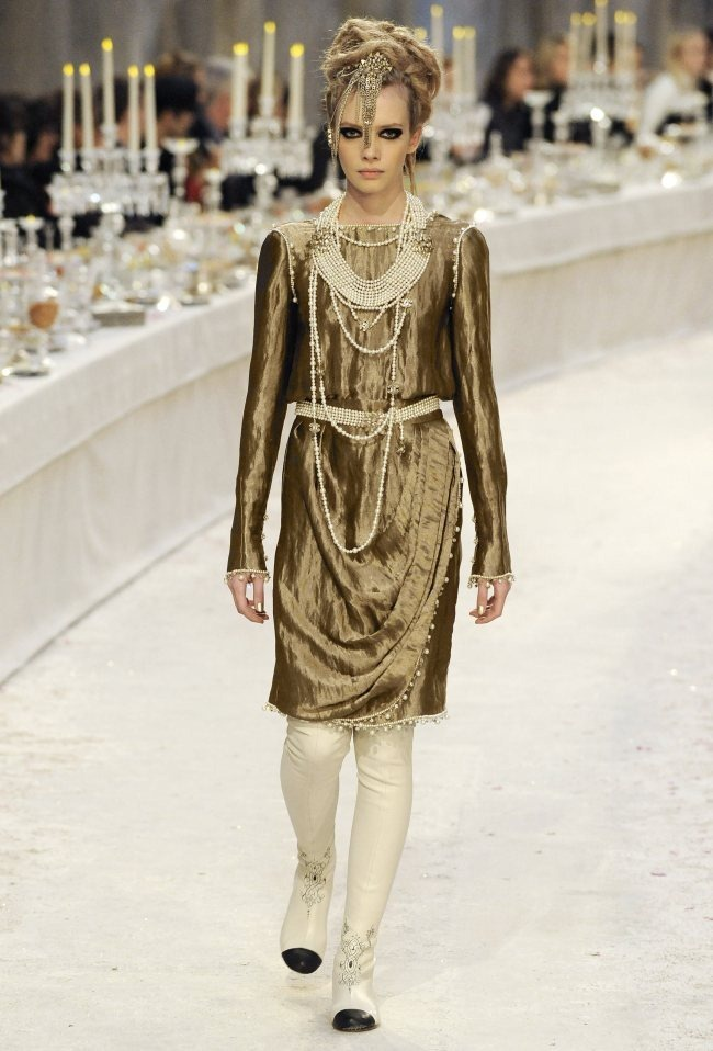 RUNWAY- Chanel Pre-Fall 2012 Collection in Bombay. www.imageamplified.com, Image Amplified7 (2)