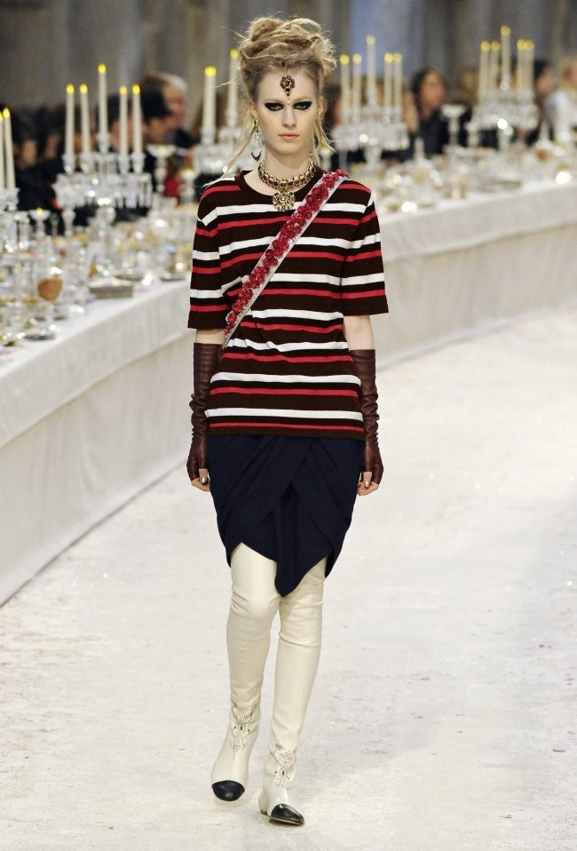 RUNWAY- Chanel Pre-Fall 2012 Collection in Bombay. www.imageamplified.com, Image Amplified5 (4)