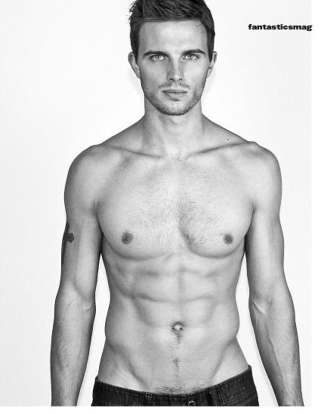 FANTASTICSMAG- Derrick Hayes by Al Ocana. www.imageamplified.com, Image Amplified2