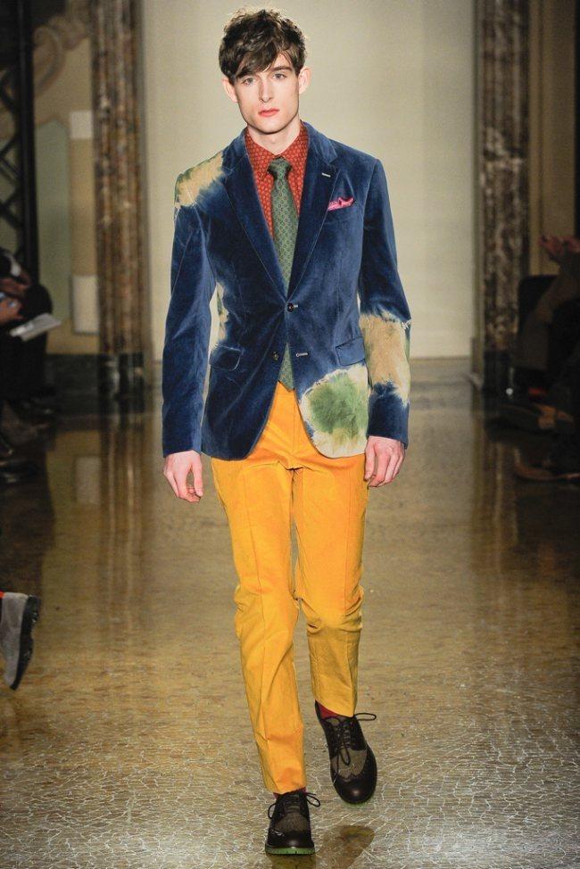 MILAN FASHION WEEK- Moschino Men's Fall 2012. www.imageamplified.com, Image Amplified2 (2)