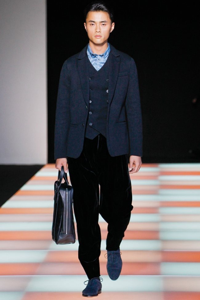 MILAN FASHION WEEK- Giorgio Armani Men's Fall 2012. www.imageamplified.com, Image Amplified4