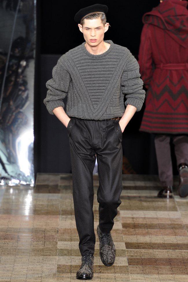 PARIS FASHION WEEK- Louis Vuitton Men's Fall 2012. www.imageamplified.com, Image Amplified0 (2)