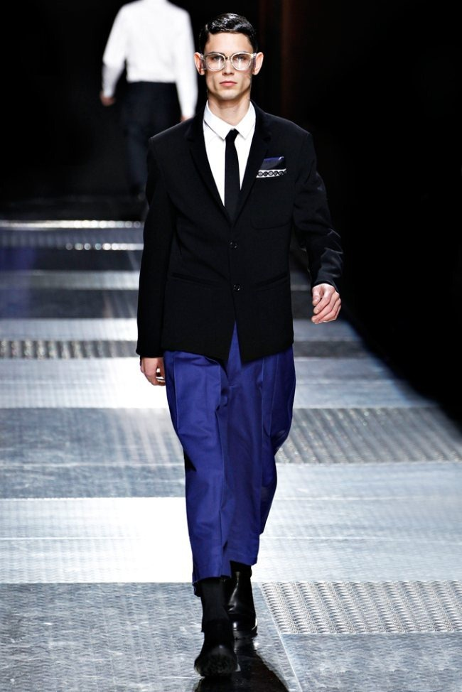 PARIS FASHION WEEK- Kris Van Assche Men's Fall 2012. www.imageamplified.com, Image Amplified7 (2)