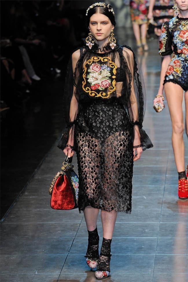 MILAN FASHION WEEK Dolce &  Gabbana Fall 2012. www.imageamplified.com, Image Amplified (18)