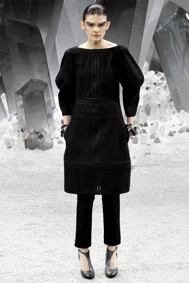 PARIS FASHION WEEK Chanel Fall 2012. www.imageamplified.com, Image Amplified (56)