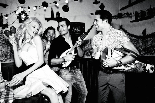 CAMPAIGN Claudia Schiffer for Guess 30th Anniversary by Ellen von Unwerth. www.imageamplified.com, Image Amplified (22)