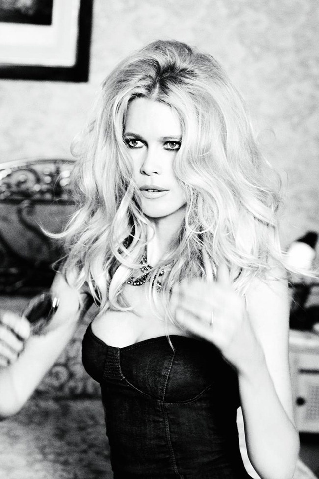 CAMPAIGN Claudia Schiffer for Guess 30th Anniversary by Ellen von Unwerth. www.imageamplified.com, Image Amplified (8)