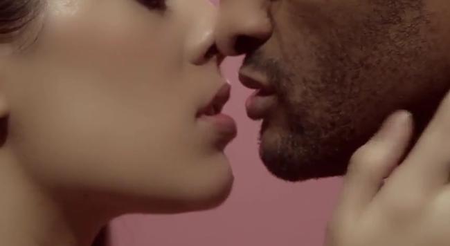 WE ♥ JEAN PAUL GAULTIER L'Art du French Kiss by Jean Paul Gaultier. www.imageamplified.com, Image Amplified (2)