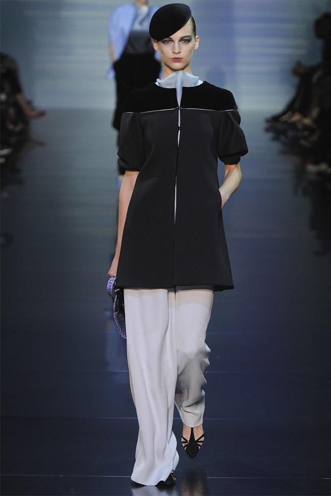 PARIS HAUTE COUTURE Giorgio Armani Privé Haute Couture Fall 2012. www.imageamplified.com, Image Amplified (1)