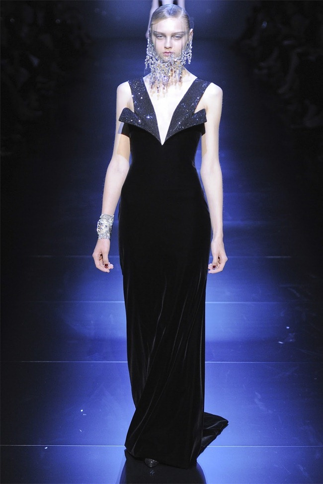 PARIS HAUTE COUTURE Giorgio Armani Privé Haute Couture Fall 2012. www.imageamplified.com, Image Amplified (47)