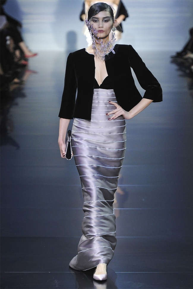PARIS HAUTE COUTURE Giorgio Armani Privé Haute Couture Fall 2012. www.imageamplified.com, Image Amplified (19)