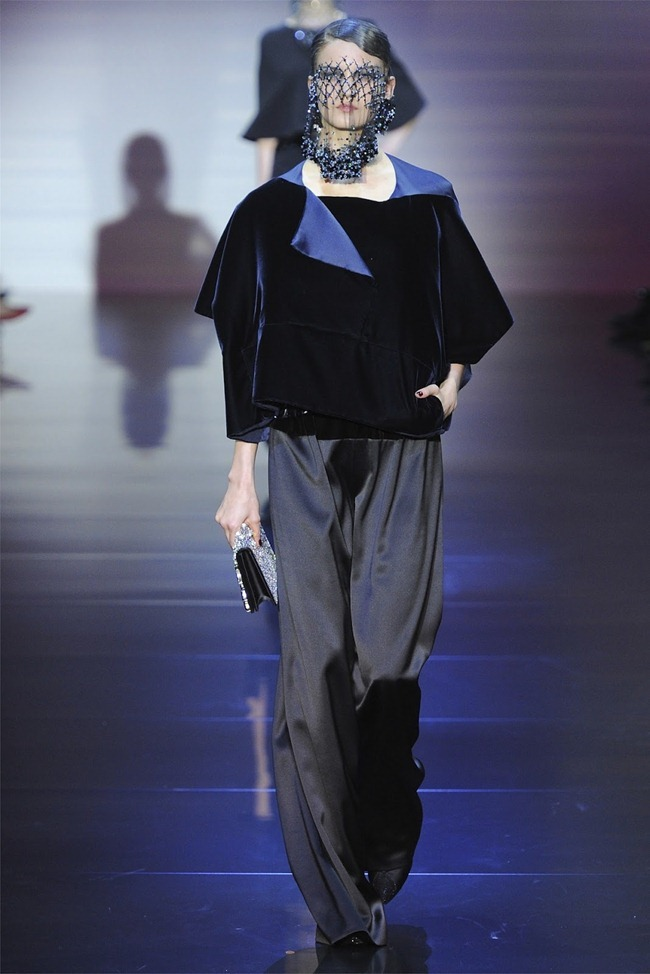 PARIS HAUTE COUTURE Giorgio Armani Privé Haute Couture Fall 2012. www.imageamplified.com, Image Amplified (34)