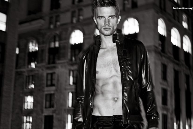 FANTASTICSMAG- Derrick Hayes by Al Ocana. www.imageamplified.com, Image Amplified7