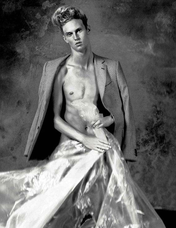 7TH MAN MAGAZINE- Simon Nessman in The Degrees of Symmetry by Matteo Zini. www.imageamplified.com, Image Amplified2