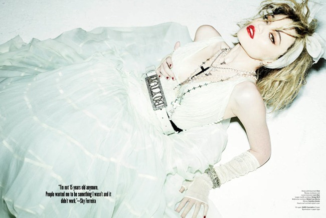 V MAGAZINE- Sky Ferreira in Who's That Girl by Mario Testino. Andrew Richardson, www.imageamplified.com, Image Amplified9