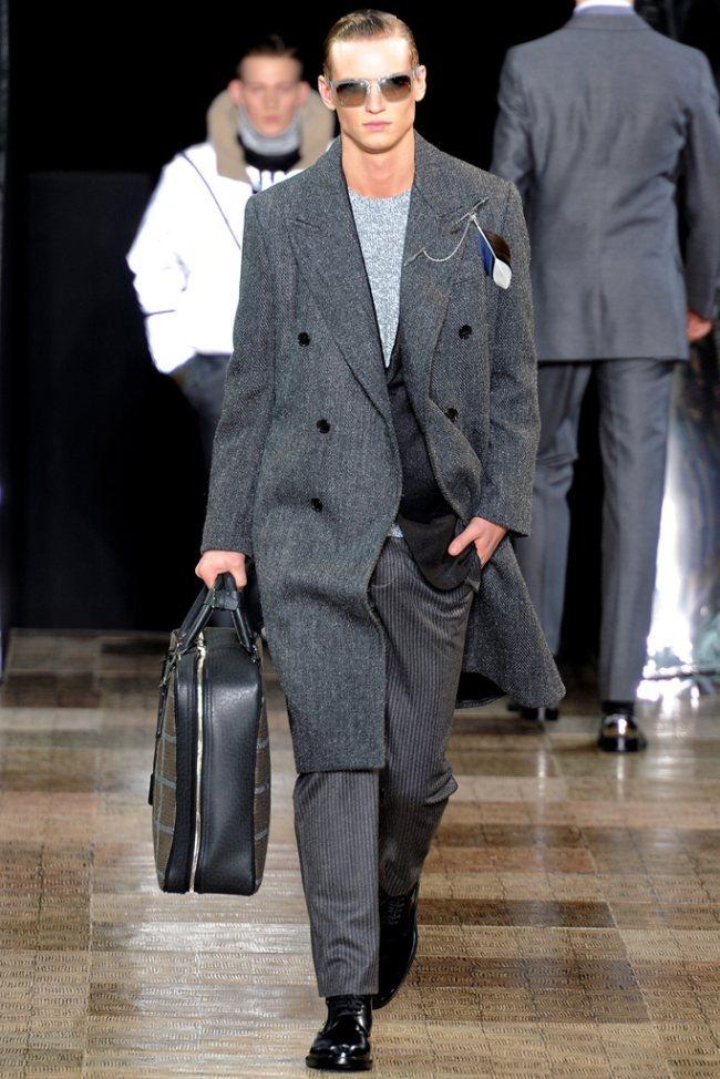 PARIS FASHION WEEK- Louis Vuitton Men's Fall 2012. www.imageamplified.com, Image Amplified4 (2)