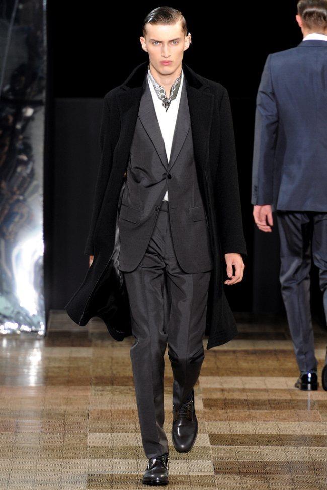 PARIS FASHION WEEK- Louis Vuitton Men's Fall 2012. www.imageamplified.com, Image Amplified7 (3)