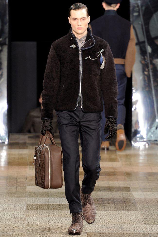 PARIS FASHION WEEK- Louis Vuitton Men's Fall 2012. www.imageamplified.com, Image Amplified0 (1)