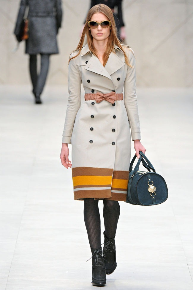 LONDON FASHION WEEK Burberry Fall 2012. www.imageamplified.com, Image Amplified (6)