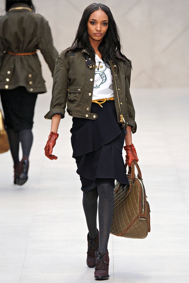 LONDON FASHION WEEK Burberry Fall 2012. www.imageamplified.com, Image Amplified (13)