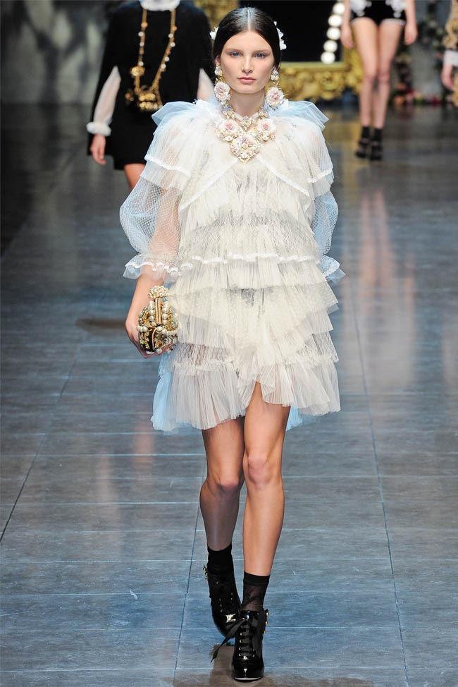 MILAN FASHION WEEK Dolce &  Gabbana Fall 2012. www.imageamplified.com, Image Amplified (4)
