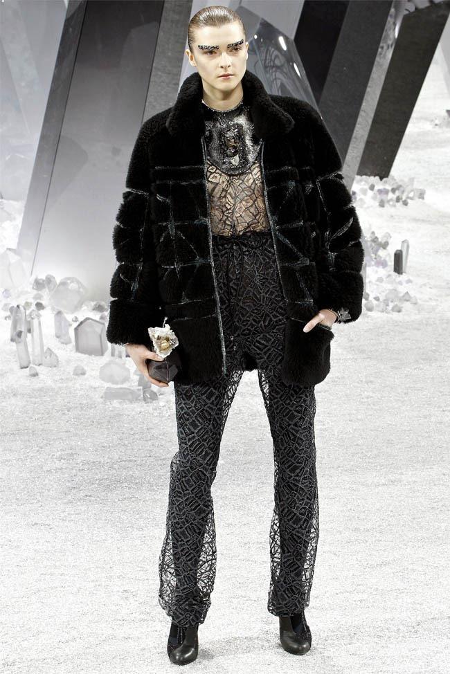 PARIS FASHION WEEK Chanel Fall 2012. www.imageamplified.com, Image Amplified (34)