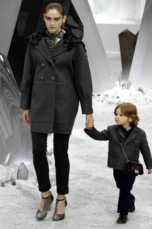 PARIS FASHION WEEK Chanel Fall 2012. www.imageamplified.com, Image Amplified (40)