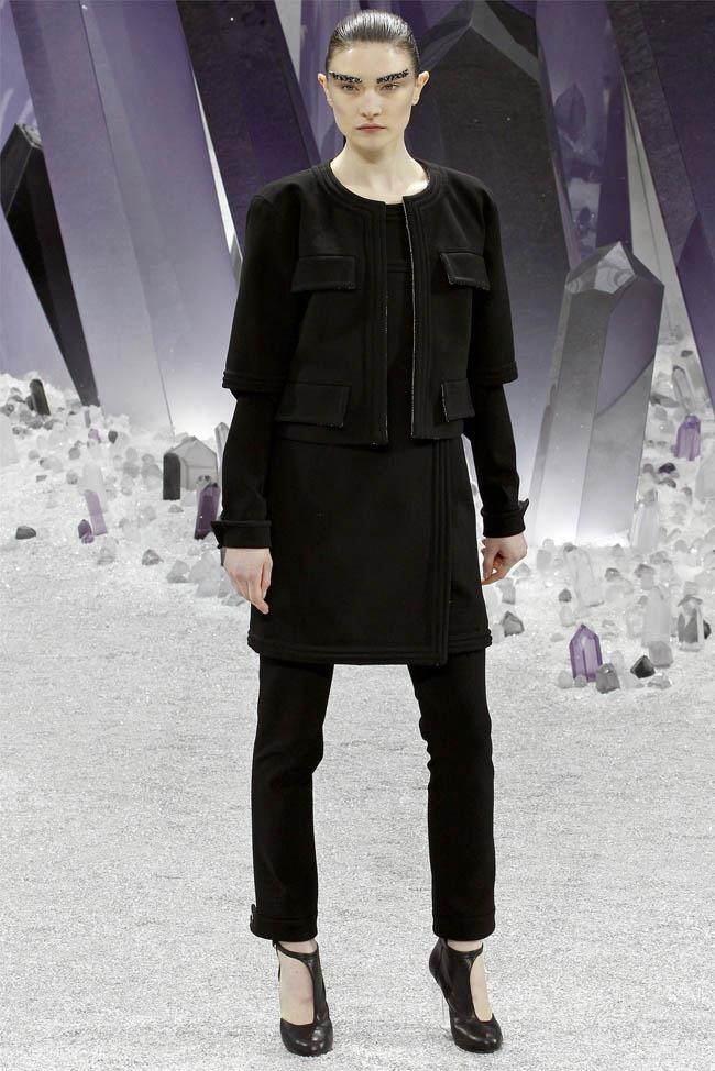 PARIS FASHION WEEK Chanel Fall 2012. www.imageamplified.com, Image Amplified (11)