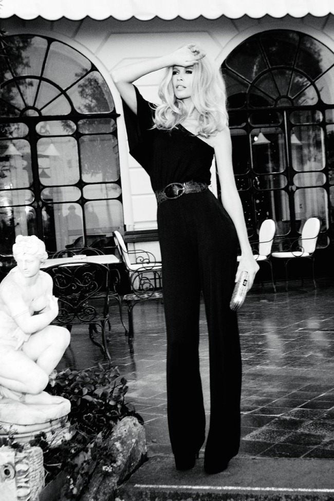 CAMPAIGN Claudia Schiffer for Guess 30th Anniversary by Ellen von Unwerth. www.imageamplified.com, Image Amplified (4)