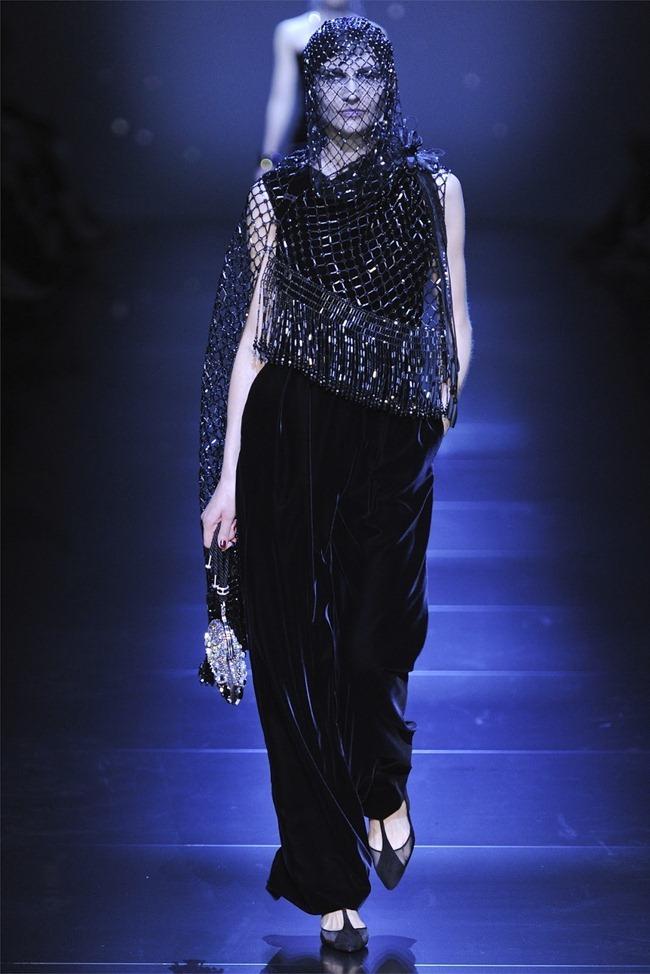 PARIS HAUTE COUTURE Giorgio Armani Privé Haute Couture Fall 2012. www.imageamplified.com, Image Amplified (42)