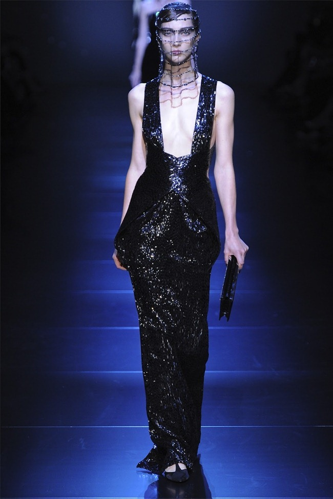 PARIS HAUTE COUTURE Giorgio Armani Privé Haute Couture Fall 2012. www.imageamplified.com, Image Amplified (48)