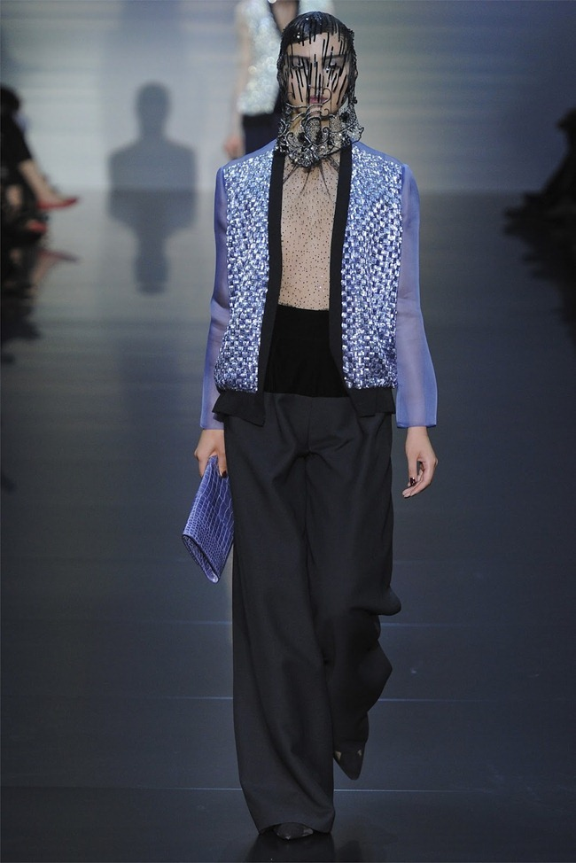 PARIS HAUTE COUTURE Giorgio Armani Privé Haute Couture Fall 2012. www.imageamplified.com, Image Amplified (15)