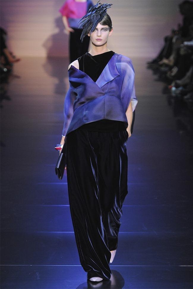 PARIS HAUTE COUTURE Giorgio Armani Privé Haute Couture Fall 2012. www.imageamplified.com, Image Amplified (27)