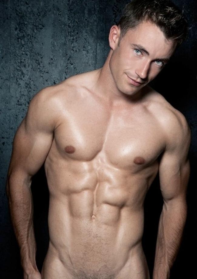 Фото парни голые