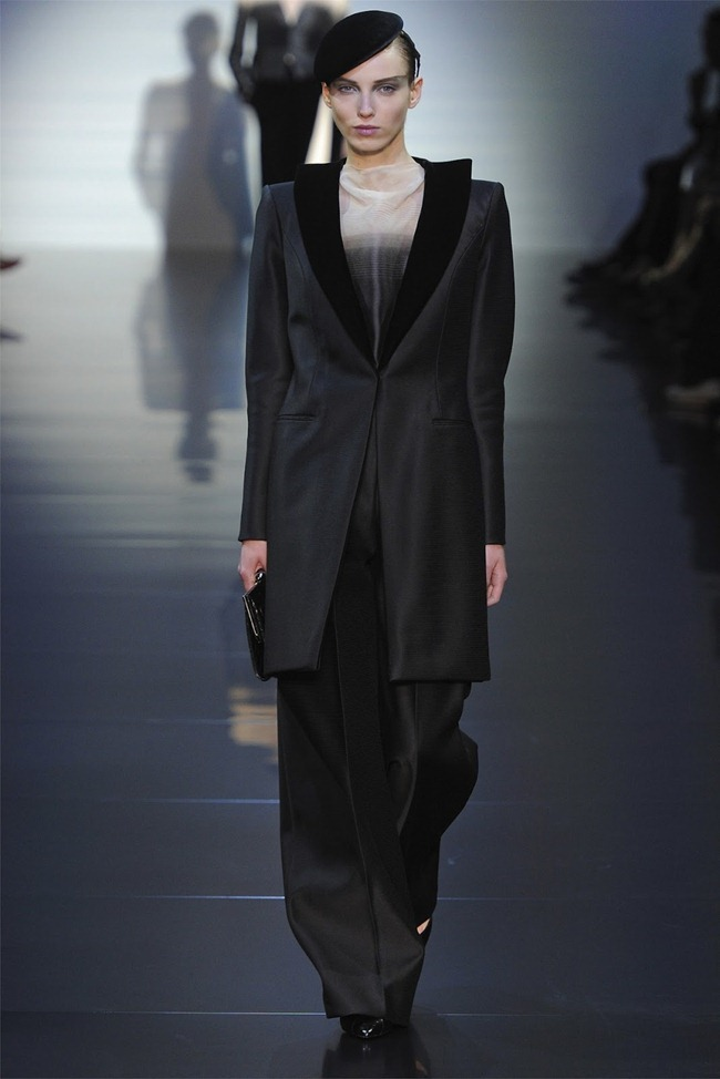 PARIS HAUTE COUTURE Giorgio Armani Privé Haute Couture Fall 2012. www.imageamplified.com, Image Amplified (9)