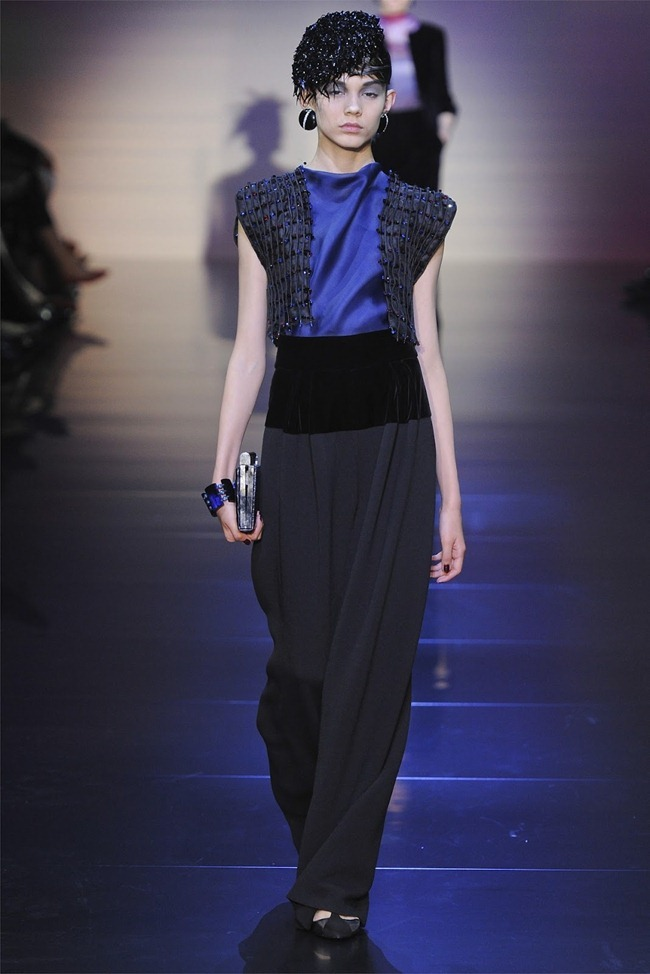 PARIS HAUTE COUTURE Giorgio Armani Privé Haute Couture Fall 2012. www.imageamplified.com, Image Amplified (29)