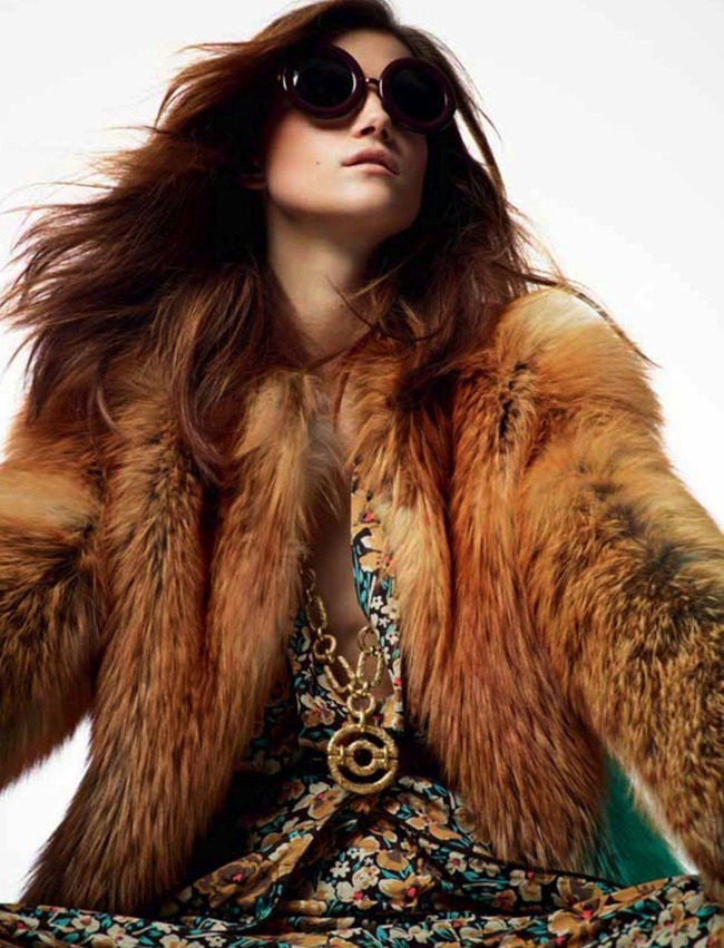 ELLE FRANCE Kasia Struss in Color Top by Davis Vasiljevic. www.imageamplified.com, Image Amplified (21)