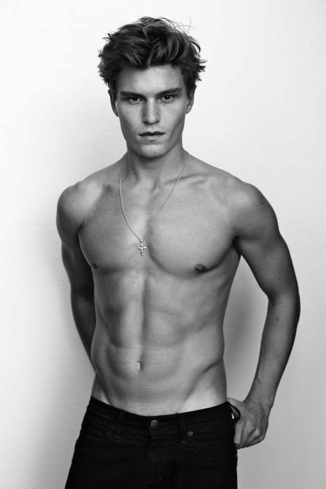 MASCULINE DOSAGE Oliver Cheshire by Arnaldo Anaya-Lucca. www.imageamplified.com, Image Amplified (6)