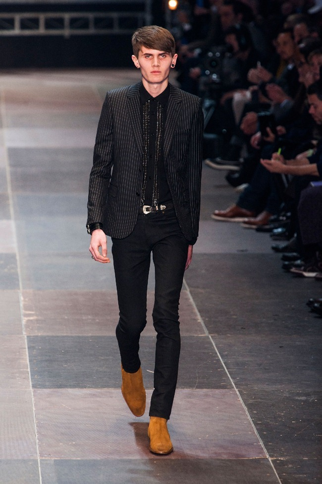 PARIS FASHION WEEK- Saint Laurent Fall 2013. www.imageamplified.com, Image Amplified (24)
