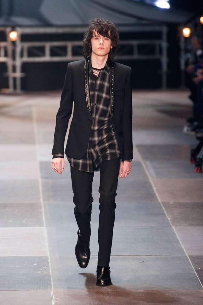 PARIS FASHION WEEK- Saint Laurent Fall 2013. www.imageamplified.com, Image Amplified (26)