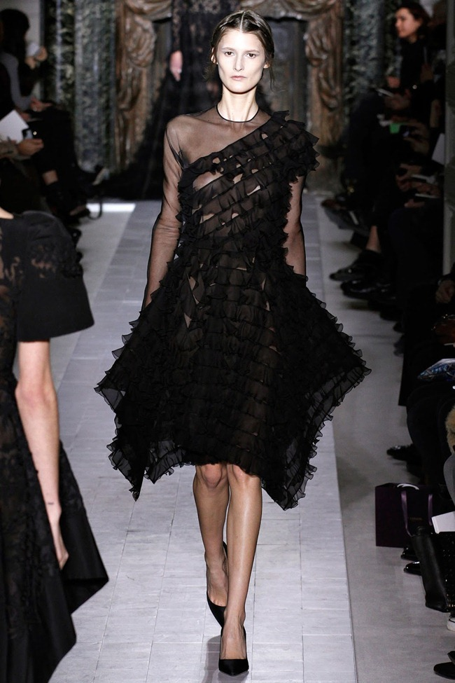 PARIS HAUTE COUTURE- Valentino Spring 2013. www.imageamplified.com, Image Amplified (32)
