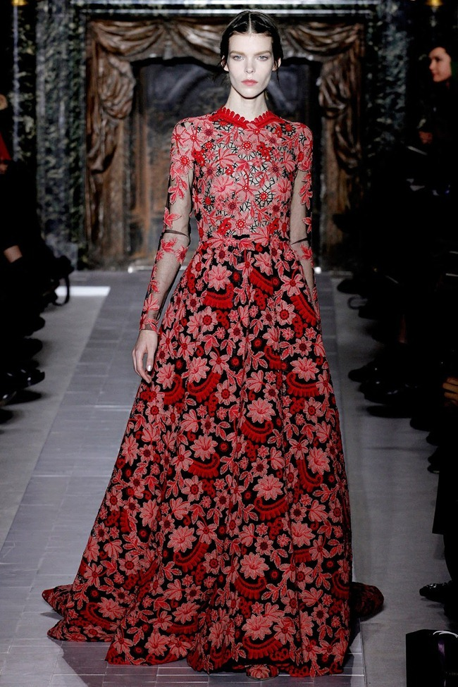 PARIS HAUTE COUTURE- Valentino Spring 2013. www.imageamplified.com, Image Amplified (34)