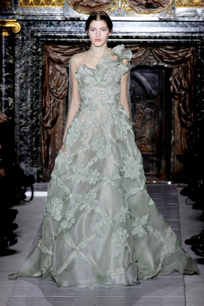 PARIS HAUTE COUTURE- Valentino Spring 2013. www.imageamplified.com, Image Amplified (42)