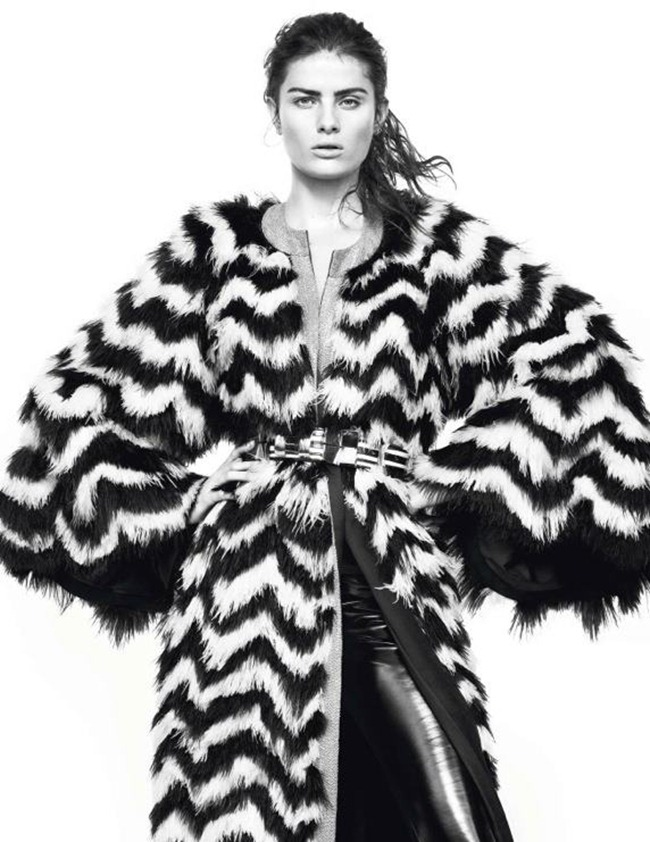 VOGUE PARIS- Isabeli Fontana in Full Contrast by David Sims. Emmanuelle Alt, March 2013, www.imageamplified.com, Image Amplified (7)