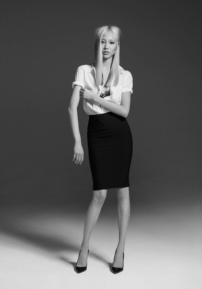 CR FASHION BOOK- Soo Joo in 1 Girl, 1 Shirt, 7 Looks by Max von Gumppenberg & Patrick Bienert. Carine Roitfeld, Spring 2013, www.imageamplified.com, Image Amplified (5)