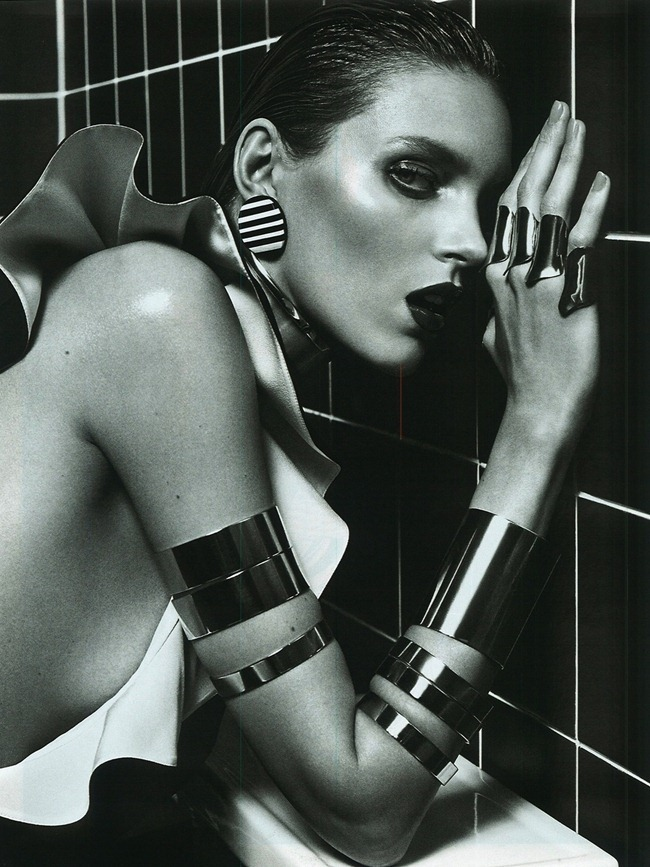 VOGUE PARIS- Anja Rubik in Do Not Disturb by Mario Sorrenti. Marie Chaix, March 2013, www.imageamplified.com, Image Amplified (3)