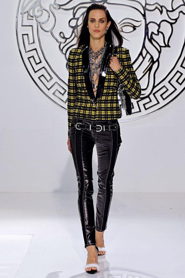 MILAN FASHION WEEK- Versace Fall 2013. www.imageamplified.com, Image Amplified (15)