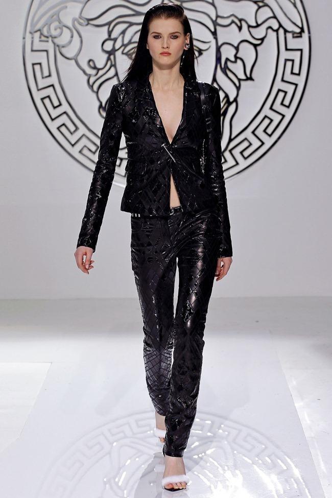 MILAN FASHION WEEK- Versace Fall 2013. www.imageamplified.com, Image Amplified (3)