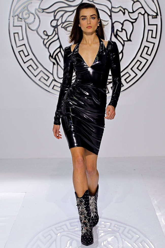 MILAN FASHION WEEK- Versace Fall 2013. www.imageamplified.com, Image Amplified (7)